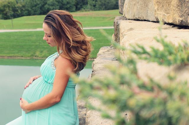 Krásná v těhotenství